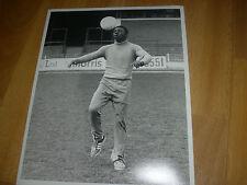 Circa 1970' s Football  PLAYER  Training  10 x 8  PRESS Photo FREE P & P #24