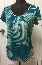 Hilo Hattie Womens Size Small Green/White  Leaf Print Short Sleeve Top