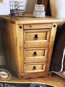 Boxed New Rio 3 Drawer Bedside Unit L35 x W32 H58 (approx)