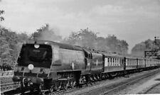 PHOTO  SR 35019 DOWN DEVON BELLE PASSING FARNBOROUGH 1950