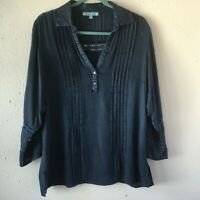 Solitaire Blue V-Neck Lace Accent Chambray Pleated Tunic Shirt Women's Size-M