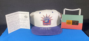 Wayne Gretzky SIGNED Upper Deck Authenticated New York Rangers Hat 101/199