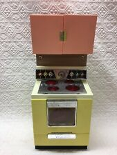 Vintage 1960s Barbie Deluxe Reading Dream Kitchen Stove Oven w/ contents
