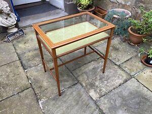 Edwardian pale mahogany bijouterie or table vitrine
