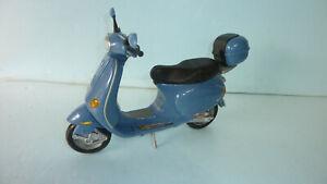BARBIE 2002  BLUE VESPA MOTOR SCOOTER  MATTEL