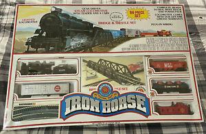 BACHMANN HO Iron Horse Train Set - Santa Fe