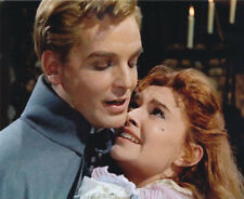 Yvonne Monlaur and David Peel UNSIGNED photo - H7833 - The Brides of Dracula
