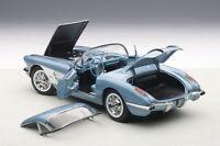 1:18 Autoart CHEVROLET CORVETTE (SILVER BLUE) 1958 +kostenlose Vitrine