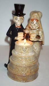 Boney Bunch Wedding Cake Votive Holder 2009 RETIRED