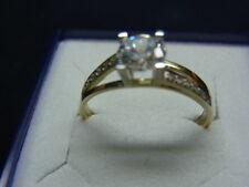 333er Gelbgoldring mit Zirkonia Ringgroße 58 Kopf breit 7,38mm Gewicht 1,85gramm