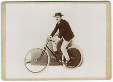 Photographie 1910 un cycliste à vélo par Perini / photo Cyclisme bicyclette