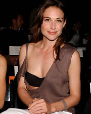 CLAIRE FORLANI 8X10 PHOTO PICTURE HOT SEXY CANDID 16