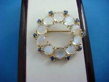 !GORGEOUS 14K YELLOW GOLD MOONSTONES AND SAPPHIRES CIRCLE BROOCH, 8.8 GRAMS