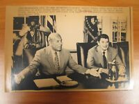 Vintage AP Wire Press Photo Ronald Reagan & State Secretary George Shultz