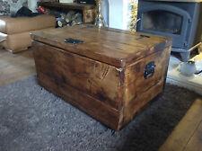 Le midi Carnac storage chest/ottoman/coffee table