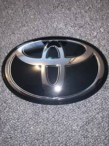 Genuine 2018-2020 Toyota Camry,Corolla,RAV4,Avalon Grill glass Emblem53141-47030