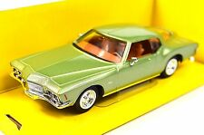 BUICK RIVIERA GS 71 1971 BOAT TAIL 1:43 NEW 94252 GREEN LUCKY ROAD SIGNATURE