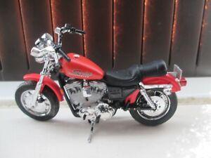 SPORTSIDE HARLEY DAVIDSON LOOK ALIKE 1-18 SCALE DIE CAST MOTORCYCLE MODEL