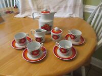 Tea Demitasse Coffee Set Colditz Porcelain East Germany GDR  Mid 20th Century 13