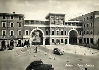 Cartolina di Spoleto, automobili e Porta Leonina - Perugia, 1955
