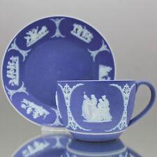 Wedgwood: Tasse in Jasperware Blau Reliefs Griechische Mythologie dip glaze blue