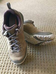 Merrill's womens hiking shoesSiren Traveller Q2 leather (upper)