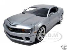 2010 CHEVROLET CAMARO SS SILVER 1:18 DIECAST MODEL CAR BY JADA 96325