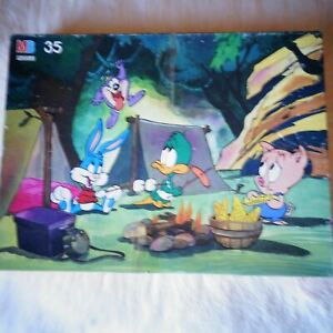 LOONEY TUNES 35 Piece Floor Jigsaw Puzzle Bugs Bunny Porky Pig Daffy Duck 1989