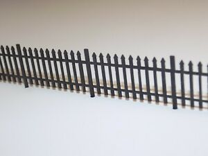 4ft wrought iron fencing (1.5 metres) OO scale 1:76 model railway railings fence