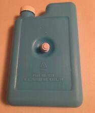 Vintage Rubbermaid 8278 Cooler Refreeze Bottle Screw Fastener to Cooler Lid USA