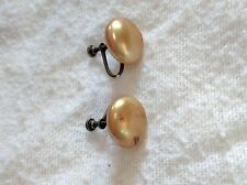 Color 3D Circular Shape Vintage Clip on Earrings Gold