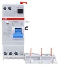 3P 40 A, RCD Switch, Trip Sensitivity 30mA, DIN Rail Mount pro M compact DDA 200