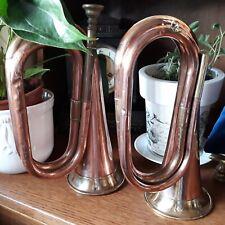 Dos cornetas bugle