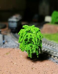 50 mittelgrüne Weidenbäume, 45 mm hoch