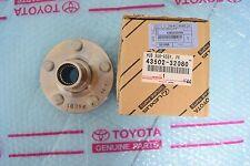 TOYOTA Corolla / Matrix GENUINE Front Brake Wheel Hub 43502-32080 / 4350232080