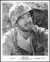 ~ Robert Ryan LOT 2 Original 1950s Promo Photos War is Hell Aldo Ray WWII