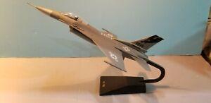 "U.S. AIR FORCE ""CALIFORNIA ANG"" F-16 FALCON 1:48 SCALE DESKTOP DISPLAY MODEL"