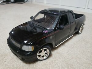 Ford 150 Pick Up Harley Davidson Edition 1:18 scale diecast model