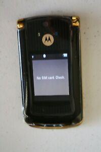 Original Unlocked Motorola Razr2 V8 - 2GB Flip GSM CellPhone Mobile Phone Gold