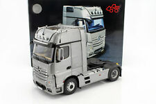 Mercedes-Benz Actros 2 GigaSpace 4x2 FH25 Cabeza tractora szm Plata 1:18 nzg