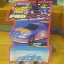 hot wheels 1/64 1997 nascar collectables vintage race cars lot of 25