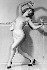 Marilyn Monroe , Marilyn photographed in the 1940's # 3