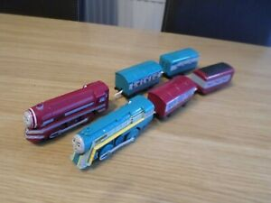TOMY TRACKMASTER CONNOR AND CAITLIN  THOMAS THE TANK MOTORISED FREE UK POST