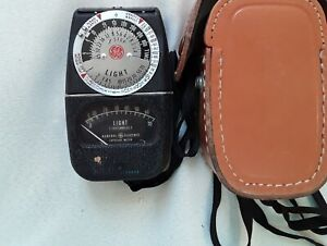 General Electric exposure meter DW 68 in leather case