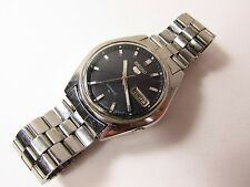 VINTAGE SEIKO 5 AUTOMATIC WATCH DAY DATE 17 JEWELS - CAL 7009-8040