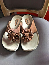 Earth womens flip flops sandals, size 6.5, new with box, brown suede
