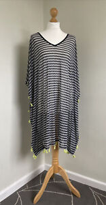 TAKING SHAPE Fab Black & White Zig Zag Cover-up With Lime Green Tassels S NWOT