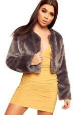 Cappotti e giacche da donna da esterno a lunghezza corto al polpaccio in pelliccia