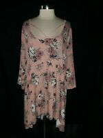 NEW TORRID Plus Size 4 4X Tunic Top Pink Gray Black Stretch Floral 3/4th Sleeve
