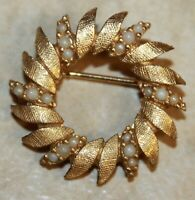 Signed CINER Gold Tone & Pearl Wreath Circle Pin Brooch Vintage Estate Jewelry